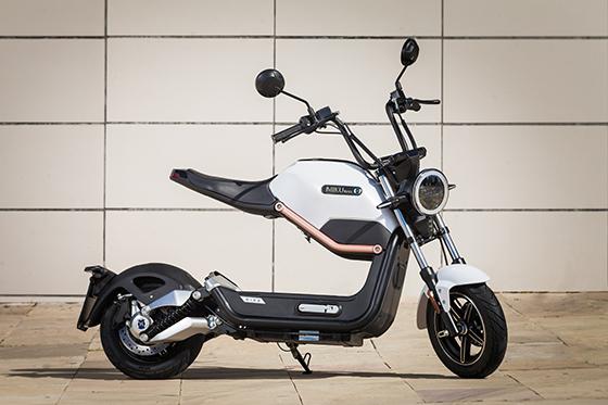 scooter électrique miku blanc